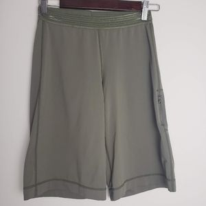 LULULEMON Wide Leg Shorts in Olive Green